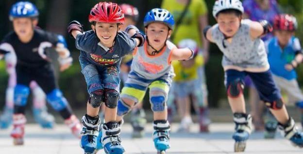 children skating